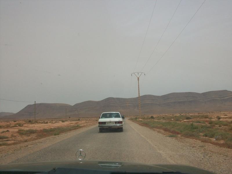 En route vers le sahara, avec ma Mercedes!  100_3414