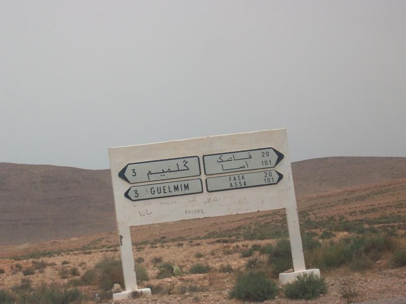 En route vers le sahara, avec ma Mercedes!  100_3416