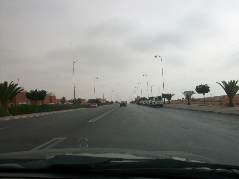 En route vers le sahara, avec ma Mercedes!  100_3510