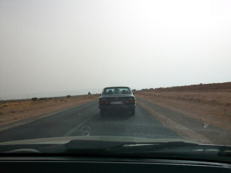En route vers le sahara, avec ma Mercedes!  100_3512