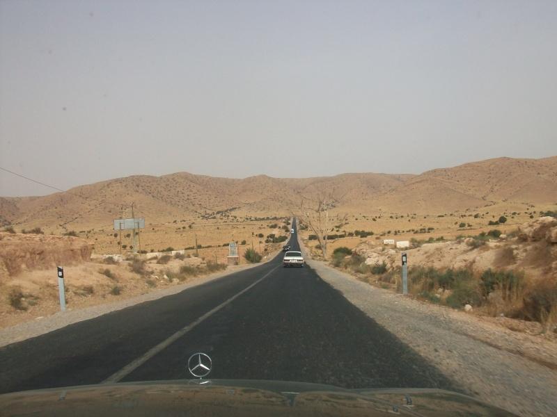 En route vers le sahara, avec ma Mercedes!  100_3514