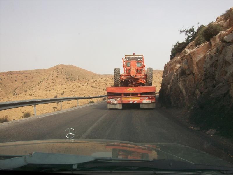 En route vers le sahara, avec ma Mercedes!  100_3517