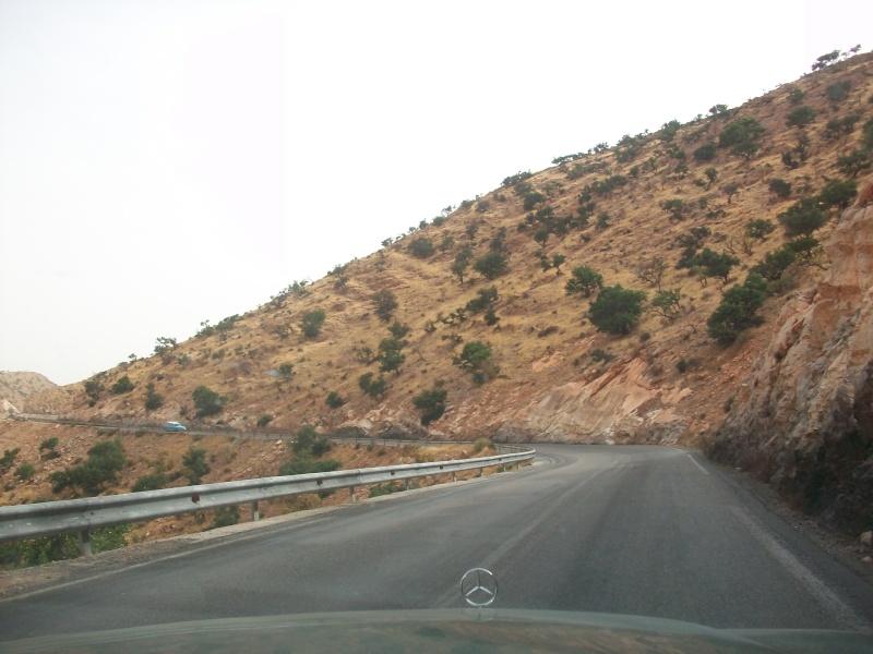 En route vers le sahara, avec ma Mercedes!  100_3518