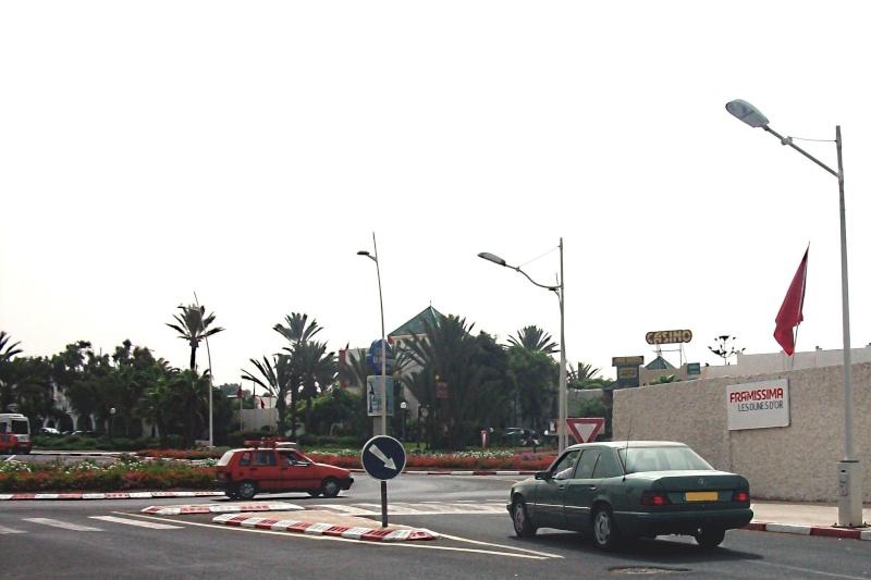 En route vers le sahara, avec ma Mercedes!  100_4115