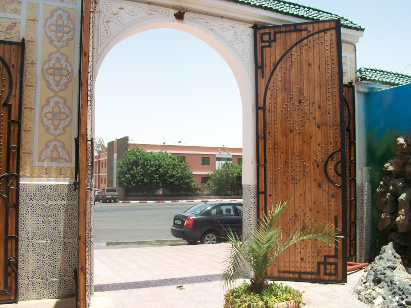 En route vers le sahara, avec ma Mercedes!  - Page 3 Img95410