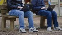 Jóvenes dominados por Internet... Jovene10