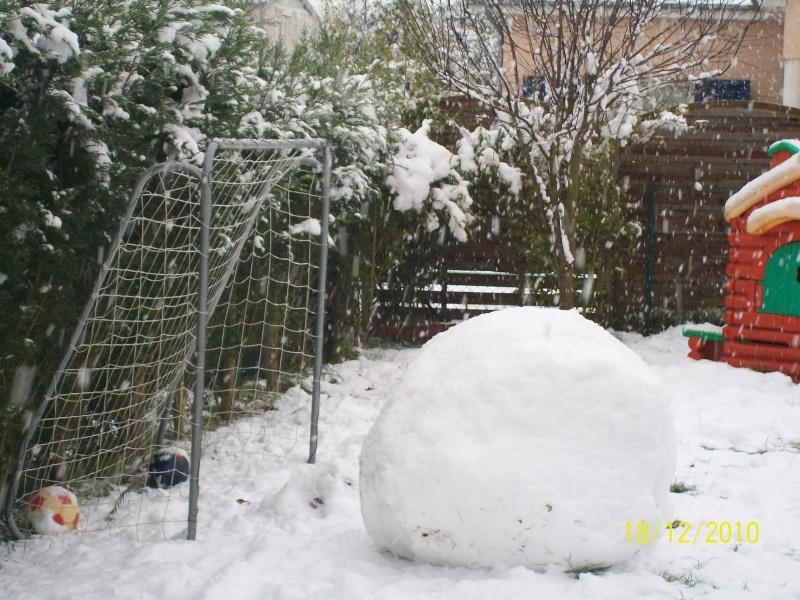 Poster vos images : La france envahie par la neige Decemb10