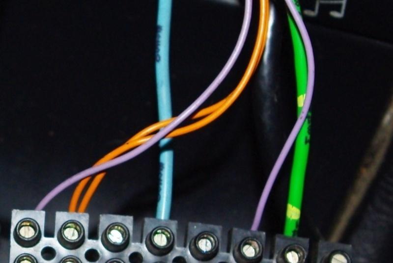 Problème de branchement autoradio Imgp0213
