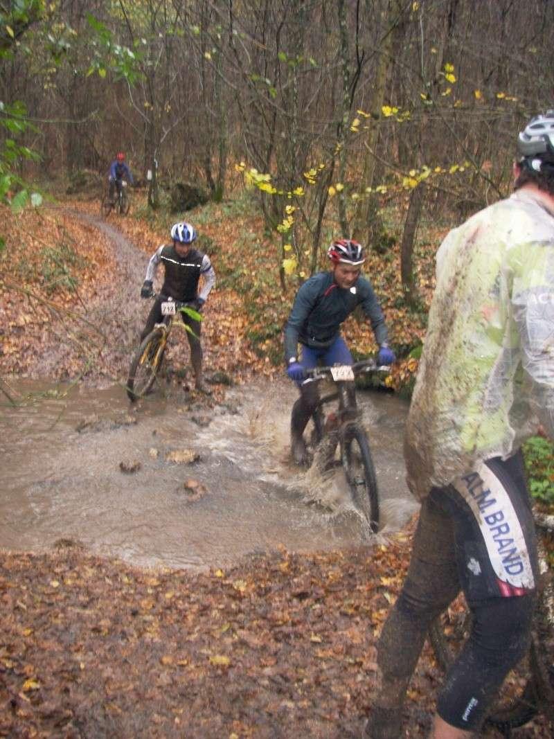 sortie VTT : vive la boue !!! Dcam0011