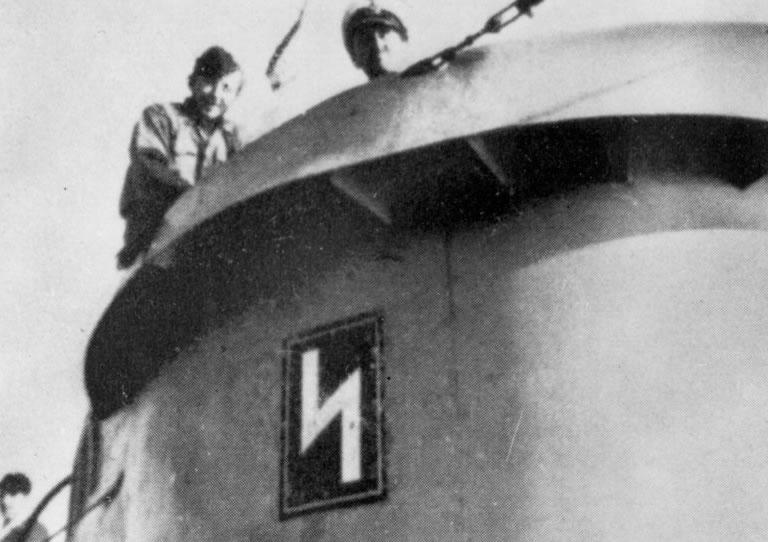 La guerre sous-marine et de surface 1939 - 1945 - Page 12 10325