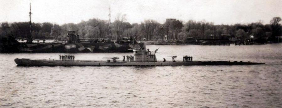 La guerre sous-marine et de surface 1939 - 1945 - Page 2 10514