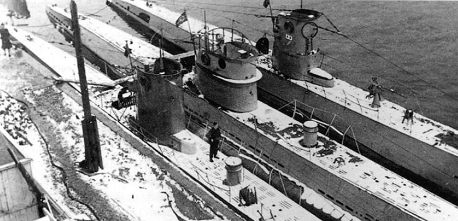 La guerre sous-marine et de surface 1939 - 1945 - Page 6 13810