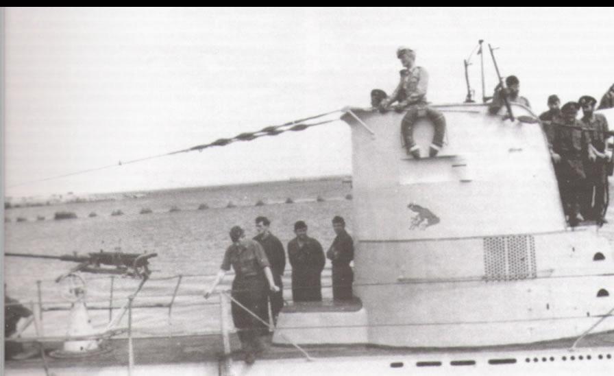 La guerre sous-marine et de surface 1939 - 1945 - Page 18 23_kio13