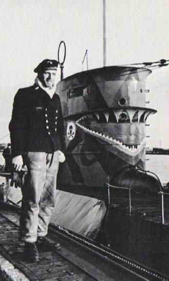 La guerre sous-marine et de surface 1939 - 1945 - Page 39 25_kio17