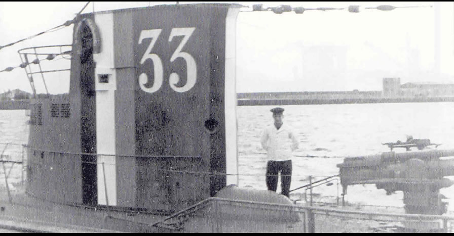 La guerre sous-marine et de surface 1939 - 1945 - Page 4 33_kio10
