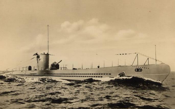 La guerre sous-marine et de surface 1939 - 1945 - Page 3 3510