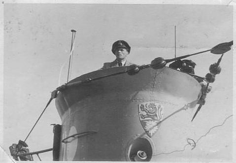 La guerre sous-marine et de surface 1939 - 1945 - Page 12 372_ki10