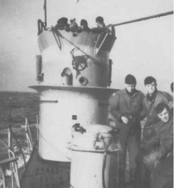 La guerre sous-marine et de surface 1939 - 1945 - Page 63 37_kio26