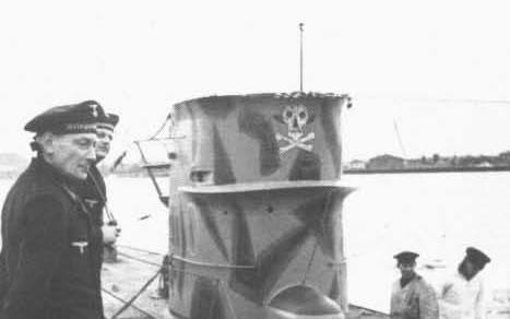 La guerre sous-marine et de surface 1939 - 1945 - Page 6 40_kio10