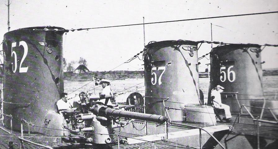 La guerre sous-marine et de surface 1939 - 1945 - Page 60 52-57-13