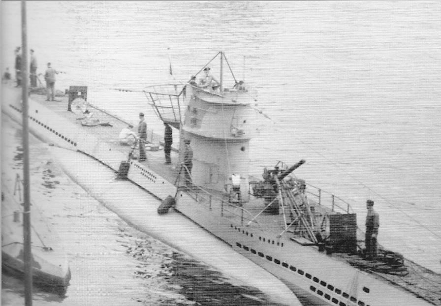 La guerre sous-marine et de surface 1939 - 1945 - Page 12 7412