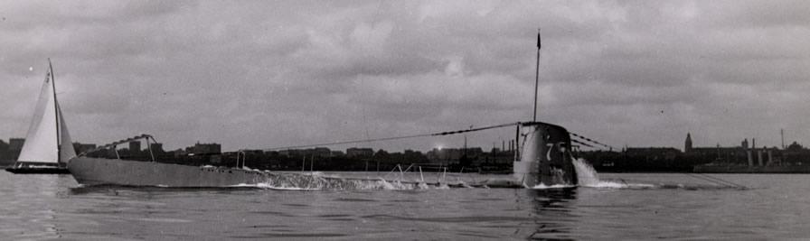 La guerre sous-marine et de surface 1939 - 1945 - Page 4 7a10