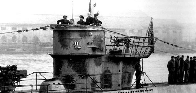 La guerre sous-marine et de surface 1939 - 1945 - Page 13 8310