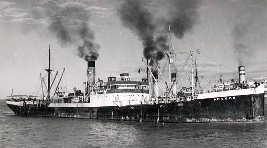 La guerre sous-marine et de surface 1939 - 1945 - Page 66 Aegeon10