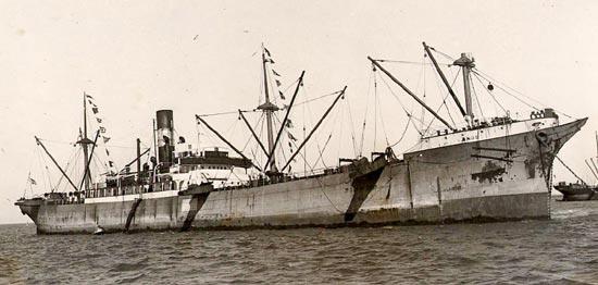 La guerre sous-marine et de surface 1939 - 1945 - Page 46 Aenos10