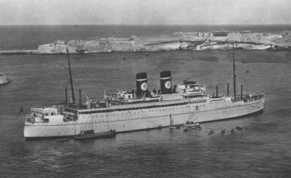 La guerre sous-marine et de surface 1939 - 1945 - Page 36 Arando10