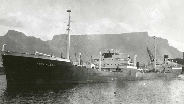 La guerre sous-marine et de surface 1939 - 1945 - Page 10 Arne_k10