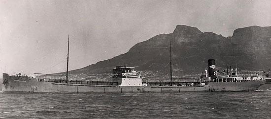 La guerre sous-marine et de surface 1939 - 1945 - Page 36 Athell10