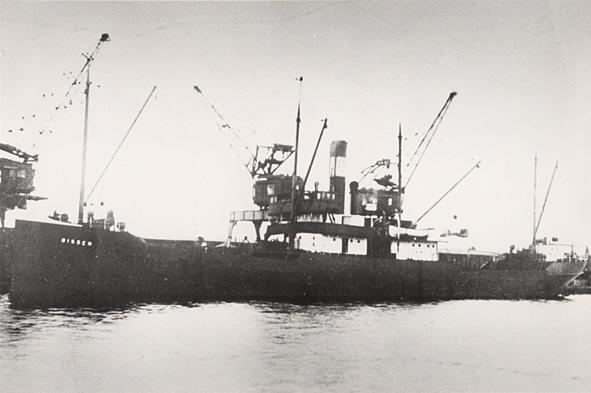 La guerre sous-marine et de surface 1939 - 1945 - Page 36 Bissen10