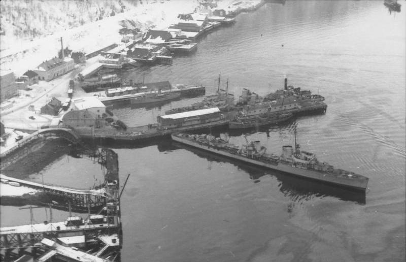 La guerre sous-marine et de surface 1939 - 1945 - Page 27 Bundes10