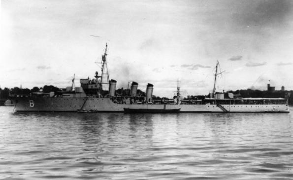 La guerre sous-marine et de surface 1939 - 1945 - Page 51 Burza10