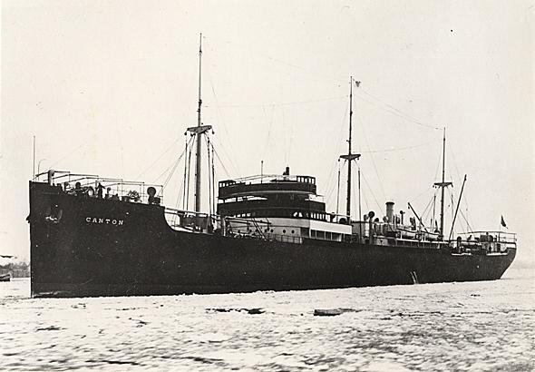 La guerre sous-marine et de surface 1939 - 1945 - Page 39 Canton10