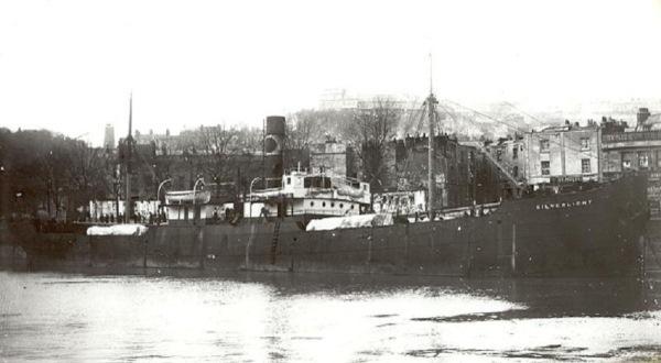 La guerre sous-marine et de surface 1939 - 1945 - Page 35 Cathri10