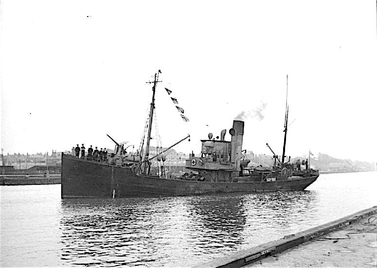 La guerre sous-marine et de surface 1939 - 1945 - Page 64 Chalut13