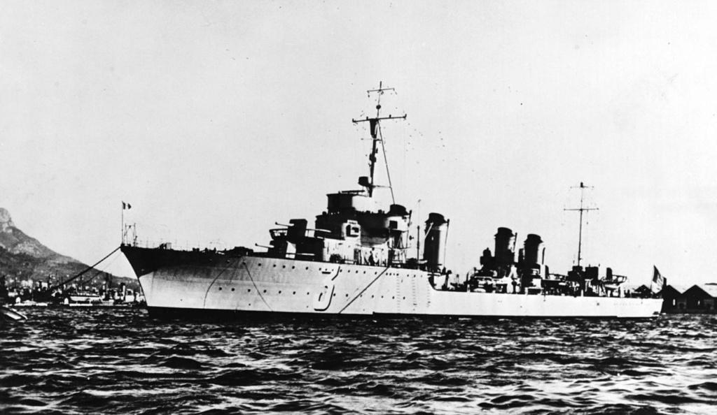La guerre sous-marine et de surface 1939 - 1945 - Page 6 Cheval10
