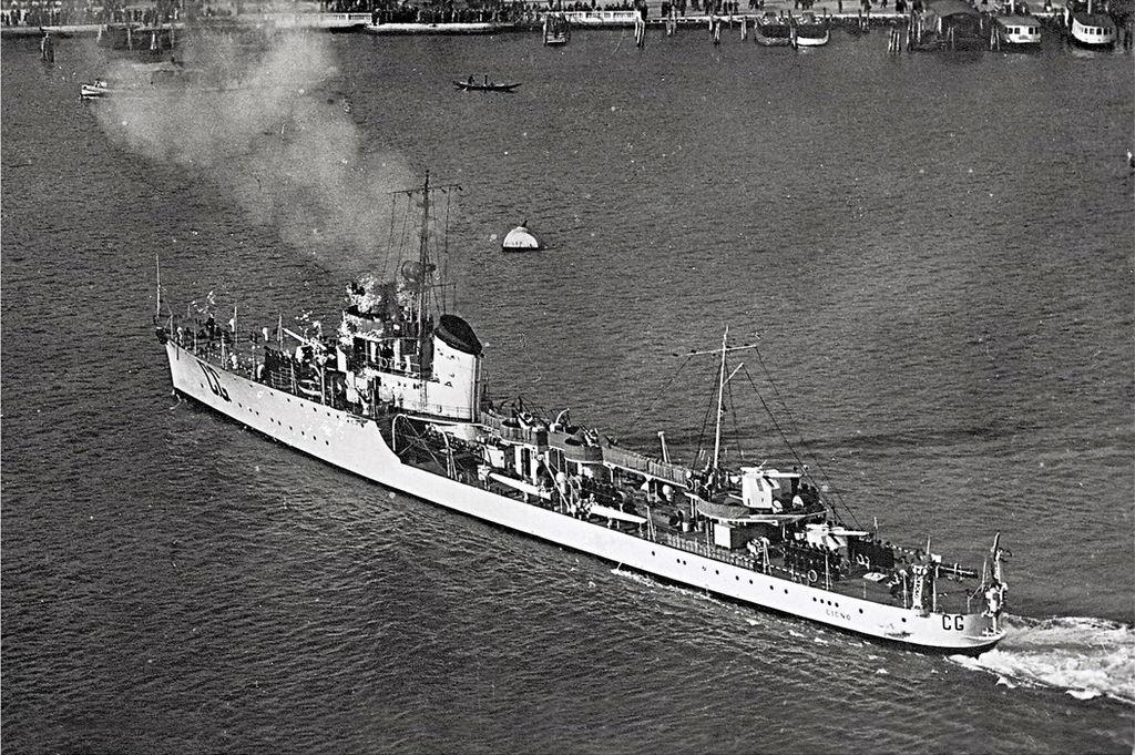 La guerre sous-marine et de surface 1939 - 1945 - Page 70 Cigno10