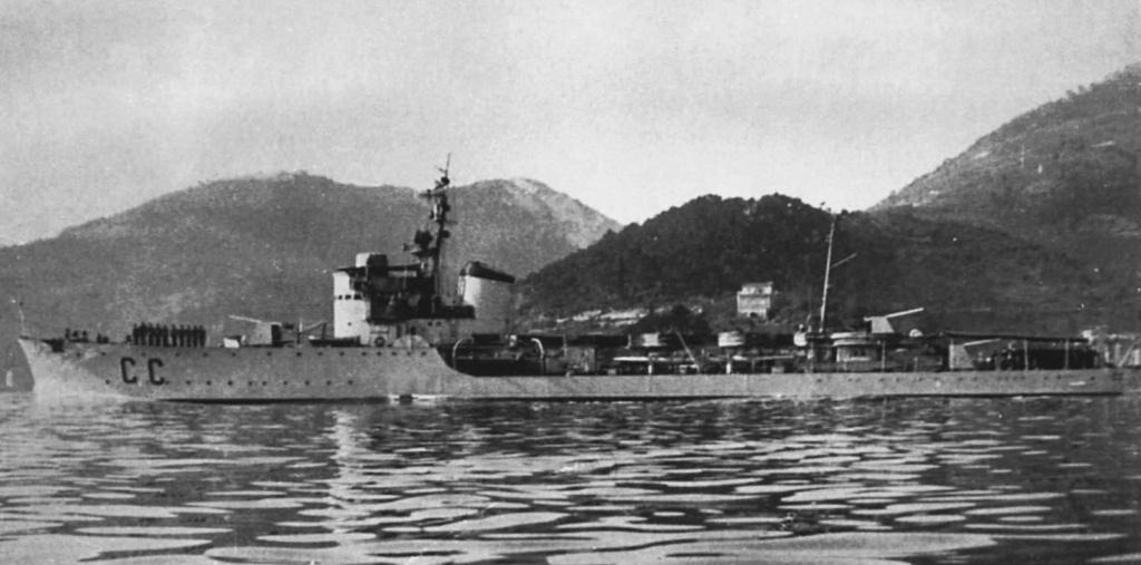 La guerre sous-marine et de surface 1939 - 1945 - Page 9 Circe10