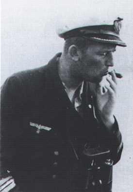 La guerre sous-marine et de surface 1939 - 1945 - Page 63 Clause16