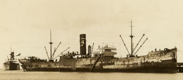 La guerre sous-marine et de surface 1939 - 1945 - Page 36 Cleart10