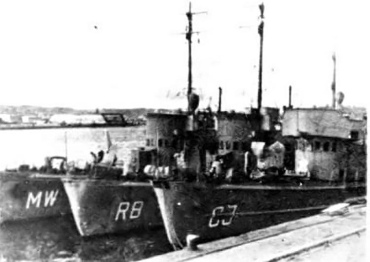 La guerre sous-marine et de surface 1939 - 1945 - Page 3 Drague10