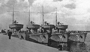 La guerre sous-marine et de surface 1939 - 1945 - Page 3 Drague11