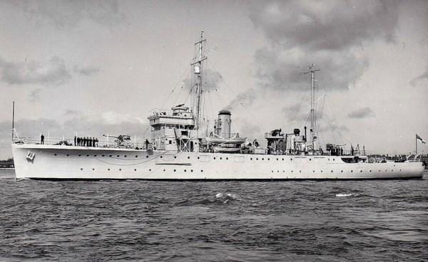 La guerre sous-marine et de surface 1939 - 1945 - Page 43 Dundee10