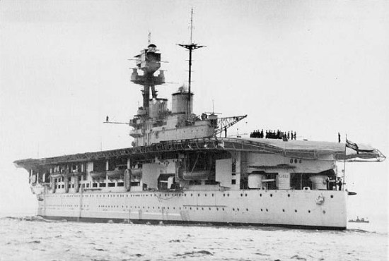La guerre sous-marine et de surface 1939 - 1945 - Page 37 Eagle_10