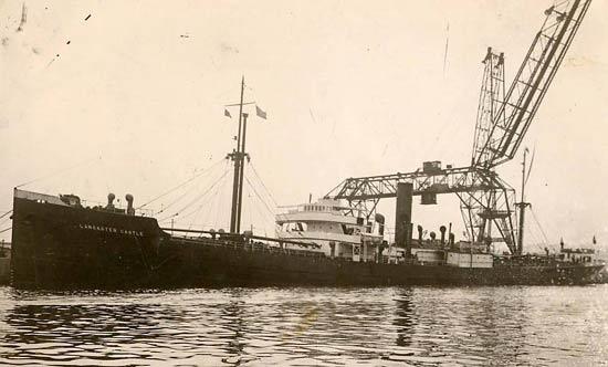 La guerre sous-marine et de surface 1939 - 1945 - Page 18 Eleni_10