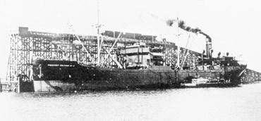 La guerre sous-marine et de surface 1939 - 1945 - Page 36 Empire11