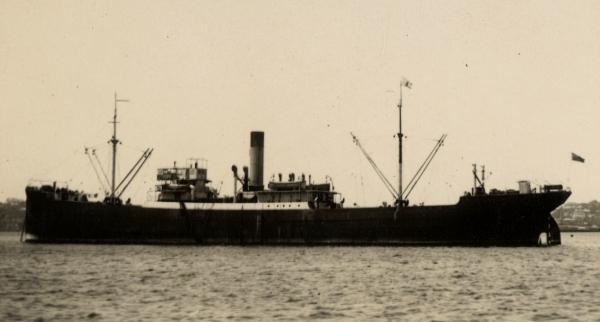 La guerre sous-marine et de surface 1939 - 1945 - Page 47 Empire15